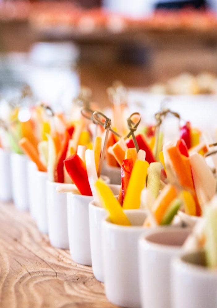 Nelle nostre proposte culinarie curiamo ogni dettaglio anche del servizio. Fa Eventi, Rossano Veneto